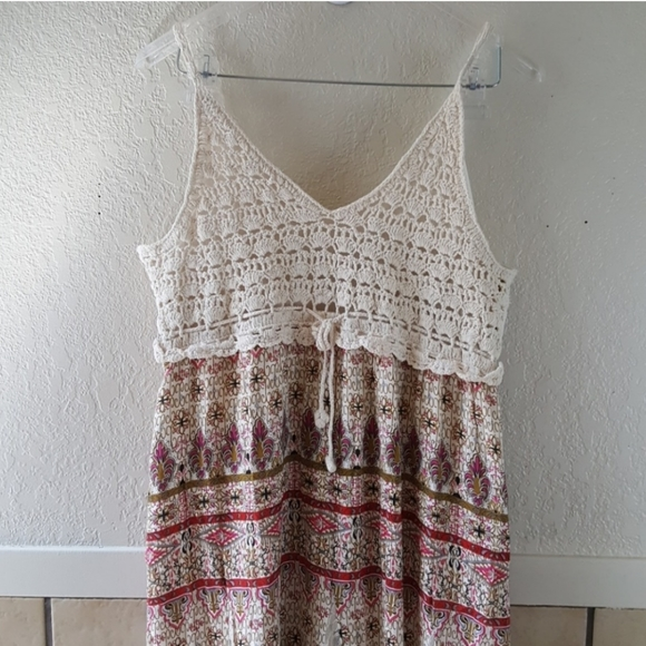 j gee Dresses & Skirts - J Gee embriodered long layered dress Size Large